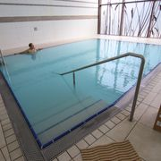 Swimming pool with thermal water