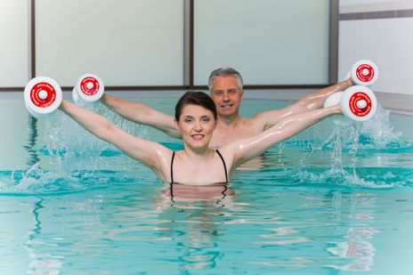 Gymnastik im Pool