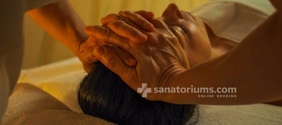 Luxury Spa-Hotel President - face massage