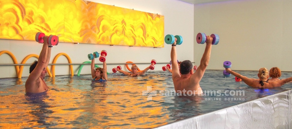 Luxury Spa-Hotel President - gymnastics in the pool