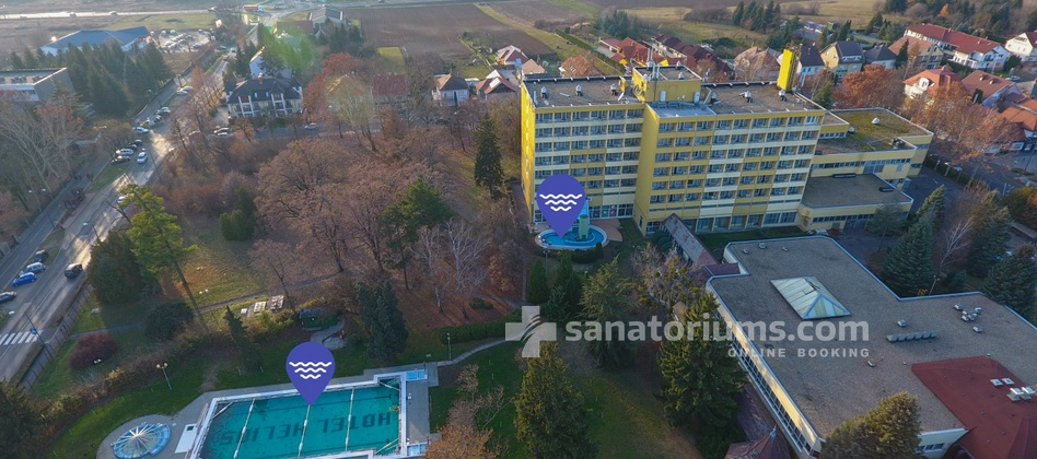 Spa Hotel Helios - outdoor pool location