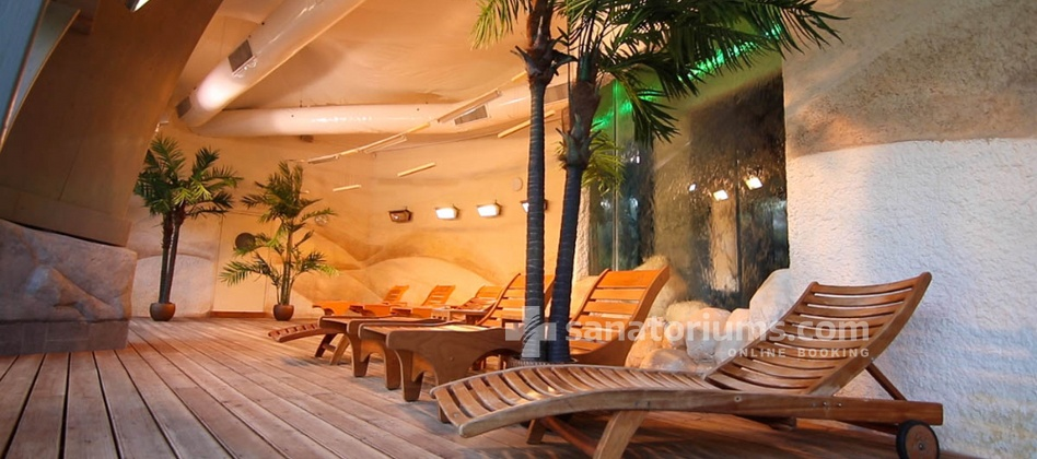 Spa Hotel Druskininkai - a complex of Grand SPA Lietuva - sunny meadow in the aqua park