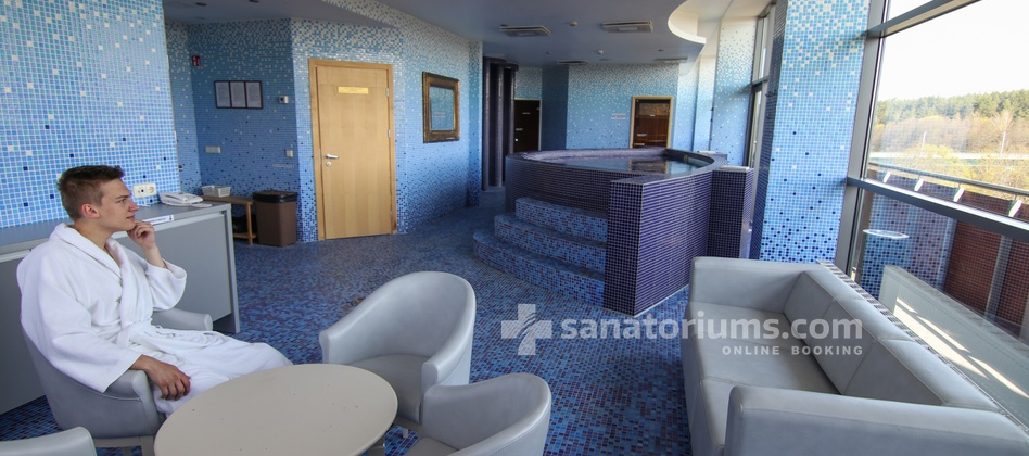 Spa Hotel Europa Royale - relaxation area near saunas and pool