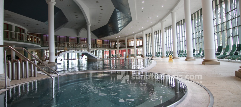 Spa Hotel Jesenius - swimming pool and jacuzzi in the «Aquaforum» water center
