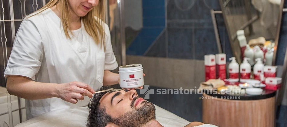"Hotel Michelangelo and Spa - facial thermal mud at the ""Terme Redi"" medical center"