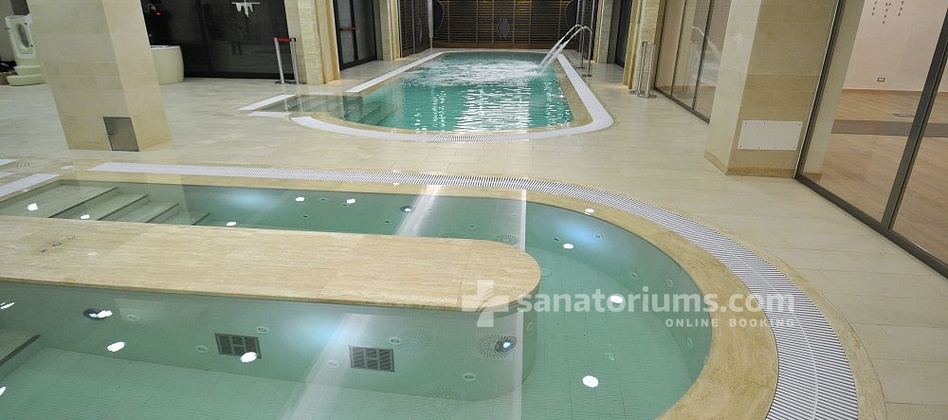 "Hotel Ercolini and Savi - swimming pool with thermal mineral water at the ""Terme Redi"" medical center"
