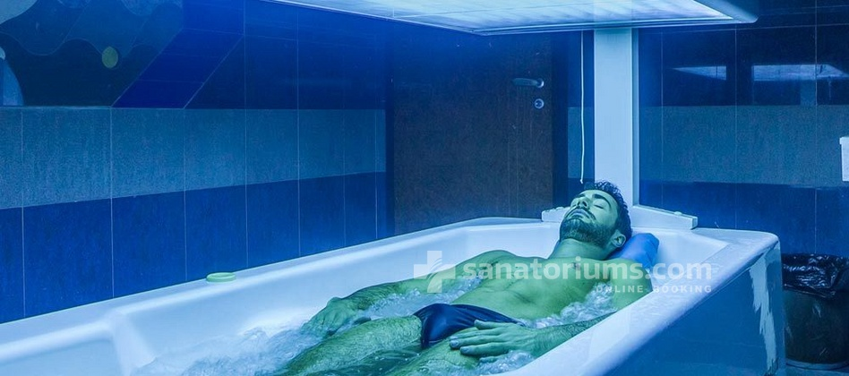 "Grand Hotel Tamerici & Principe - thermal bath with hot tub and solarium at the ""Terme Redi"" medical center"