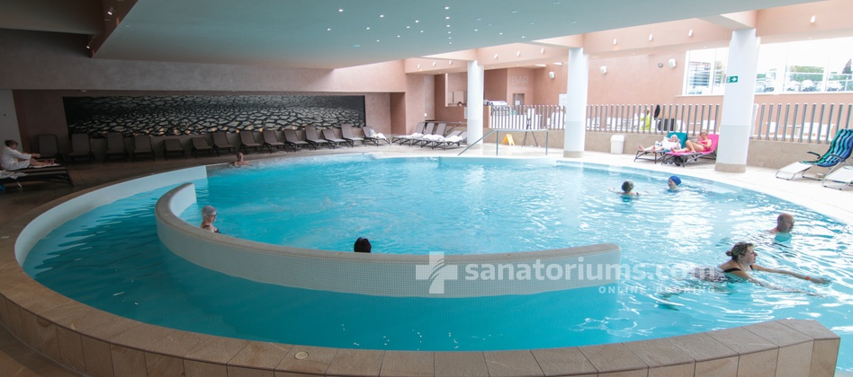 Hotel Slovenija - swimming pool with sea water, hydromassage jets and massage areas at the hotel Riviera