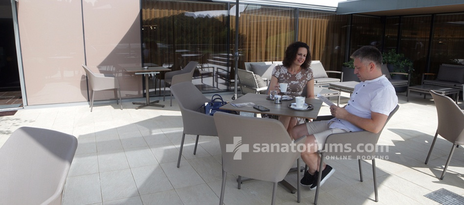 Boutique Hotel Atlantida - summer terrace near the bar