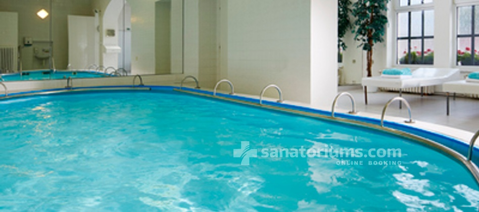 Spa Hotel Novy Dum - swimming poo 5x6 meters, open daily 09:00-21:00