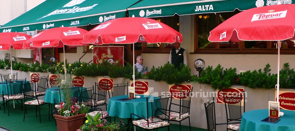 Spa-Hotel Jalta - summer terrace