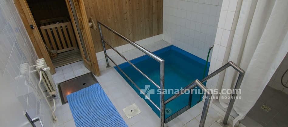 Hotel Granit - pool for cooling after saunas