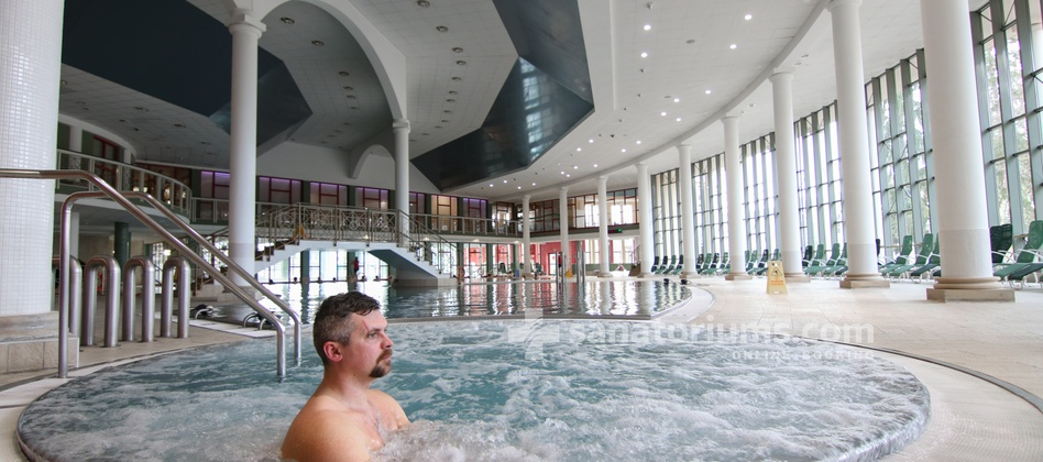 "Spa Hotel Savoy - swimming pool with hydromassage jets and a jacuzzi in the water center ""Aquaforum"""