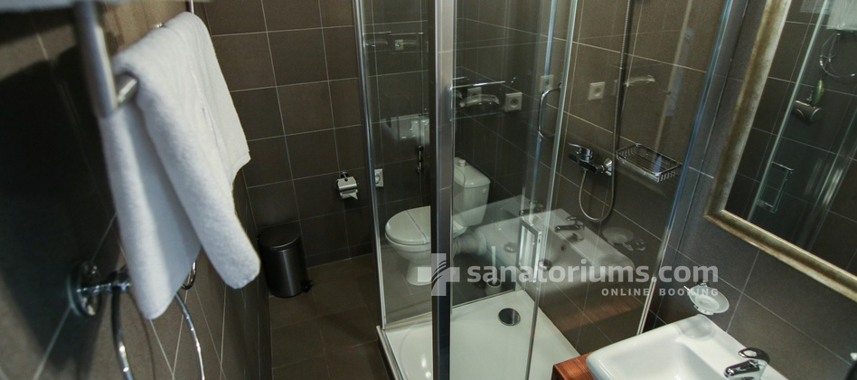 Spa Hotel Cisarske Lazne - bathroom in the double room