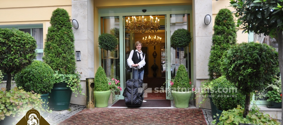Spa and Wellness Hotel Karlsbad Grande Madonna - main entrance