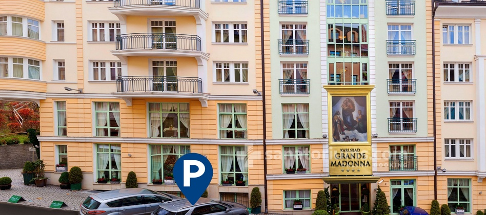 Spa and Wellness Hotel Karlsbad Grande Madonna - parking in front of the hotel for an additional fee