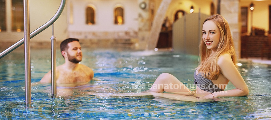 Carlsbad Plaza Medical Spa & Wellness hotel - swimming pool with water jets