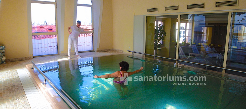 Humboldt Park Hotel & Spa - individual gymnastics in the pool